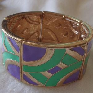 Jewelry - vintage stretch gold tone bangle bracelet enameled